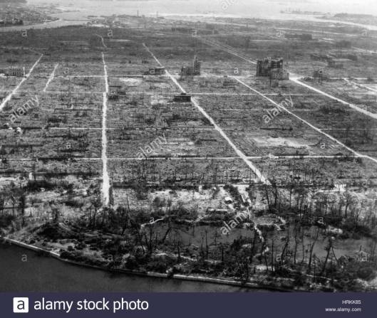 atomic-bomb-destruction-hiroshima-HRKK85